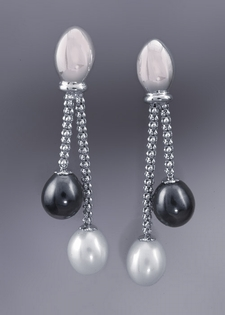 14K Gold Earrings-Black and White Pearls