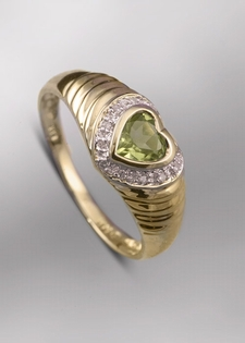 Gems and Jewels Diamond Heart Ring