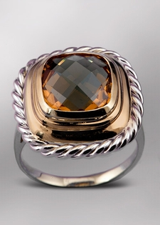 Citrine and Gold Fashion Ring